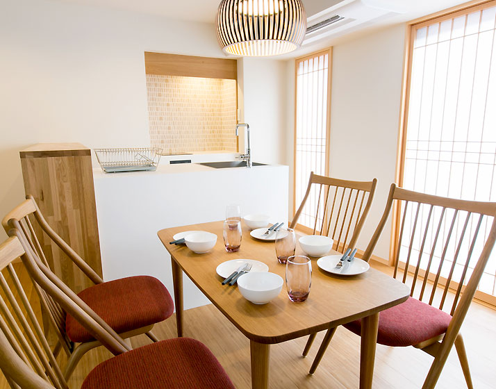 Family Dining Suite