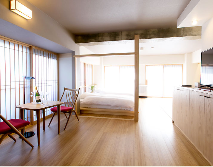 Family Room with Japanese Tatami Area